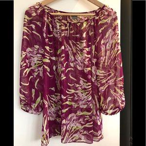 🦋3/$30Sz 10 Ann Taylor sheer blouse